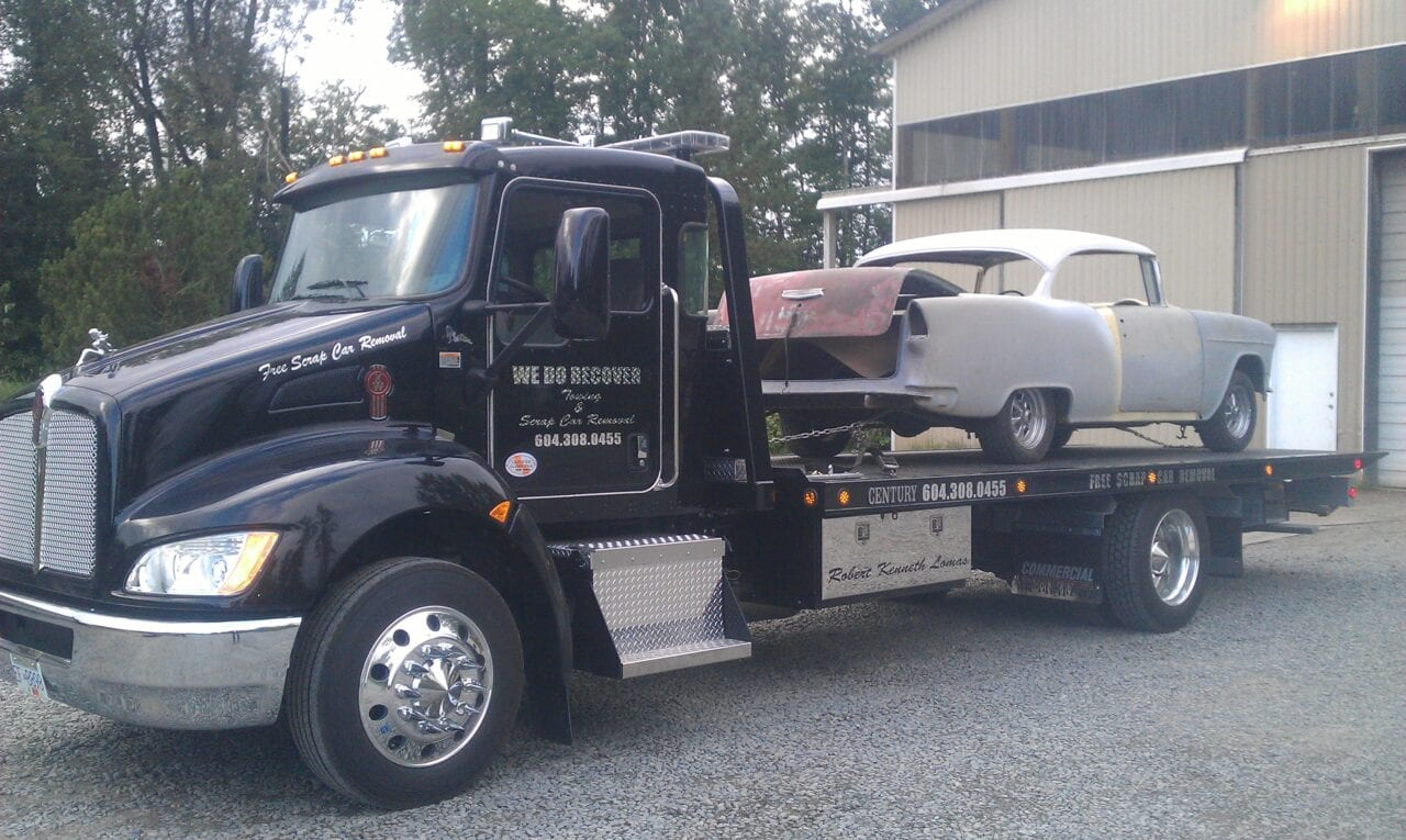 Flatbed Towing a classic car